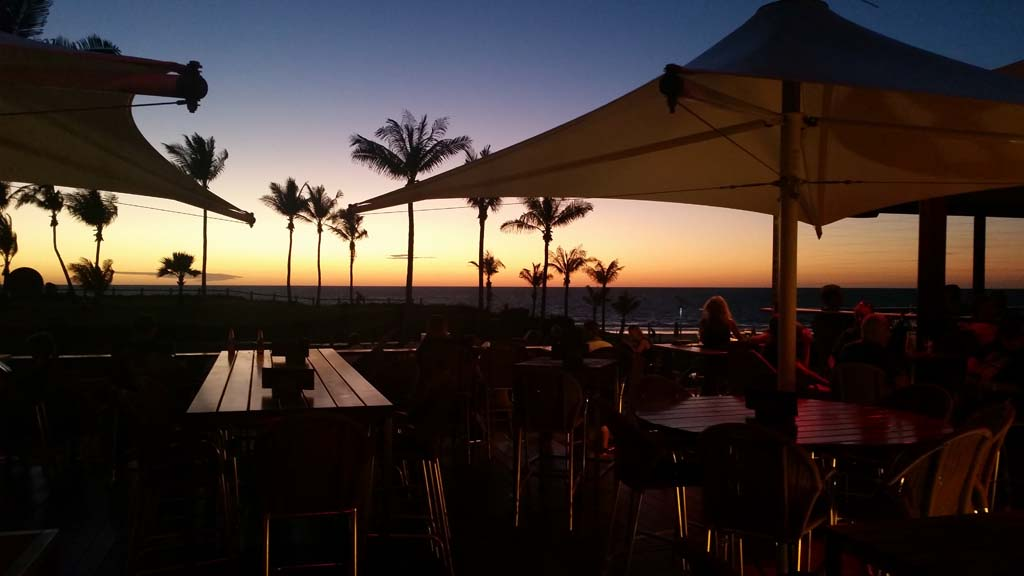 Sunset Bar & Grill Cable Beach Club Resort